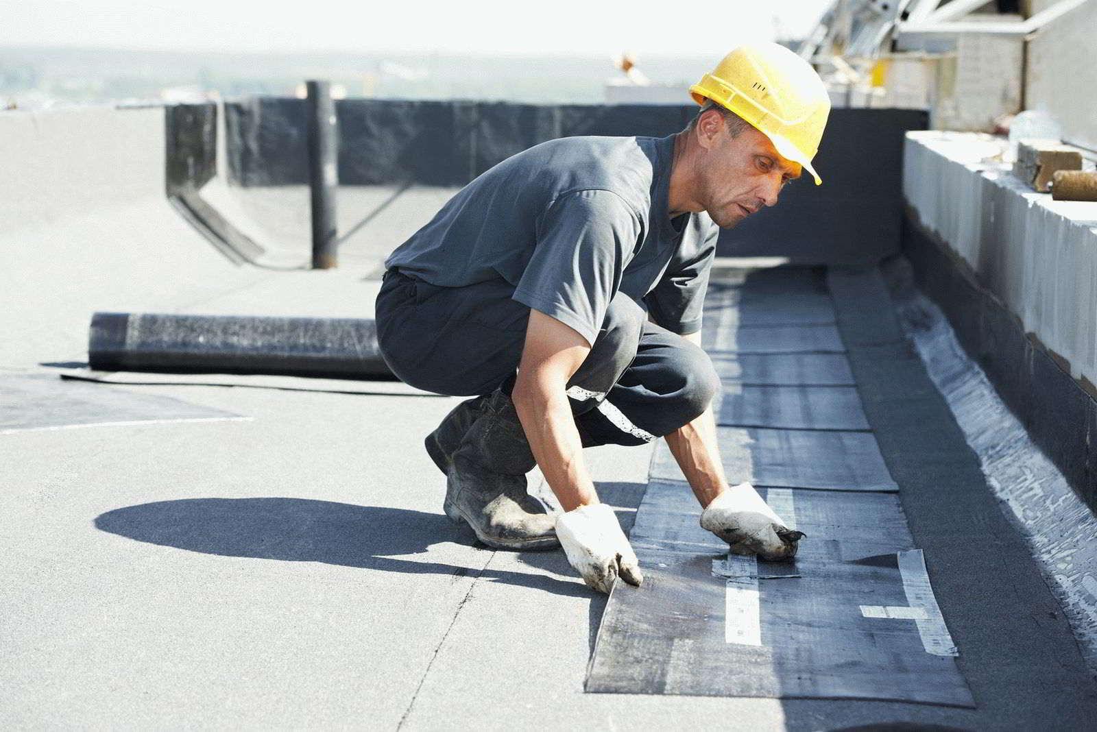 Рейтинг лучших материалов для плоской крыши в 2020 году
