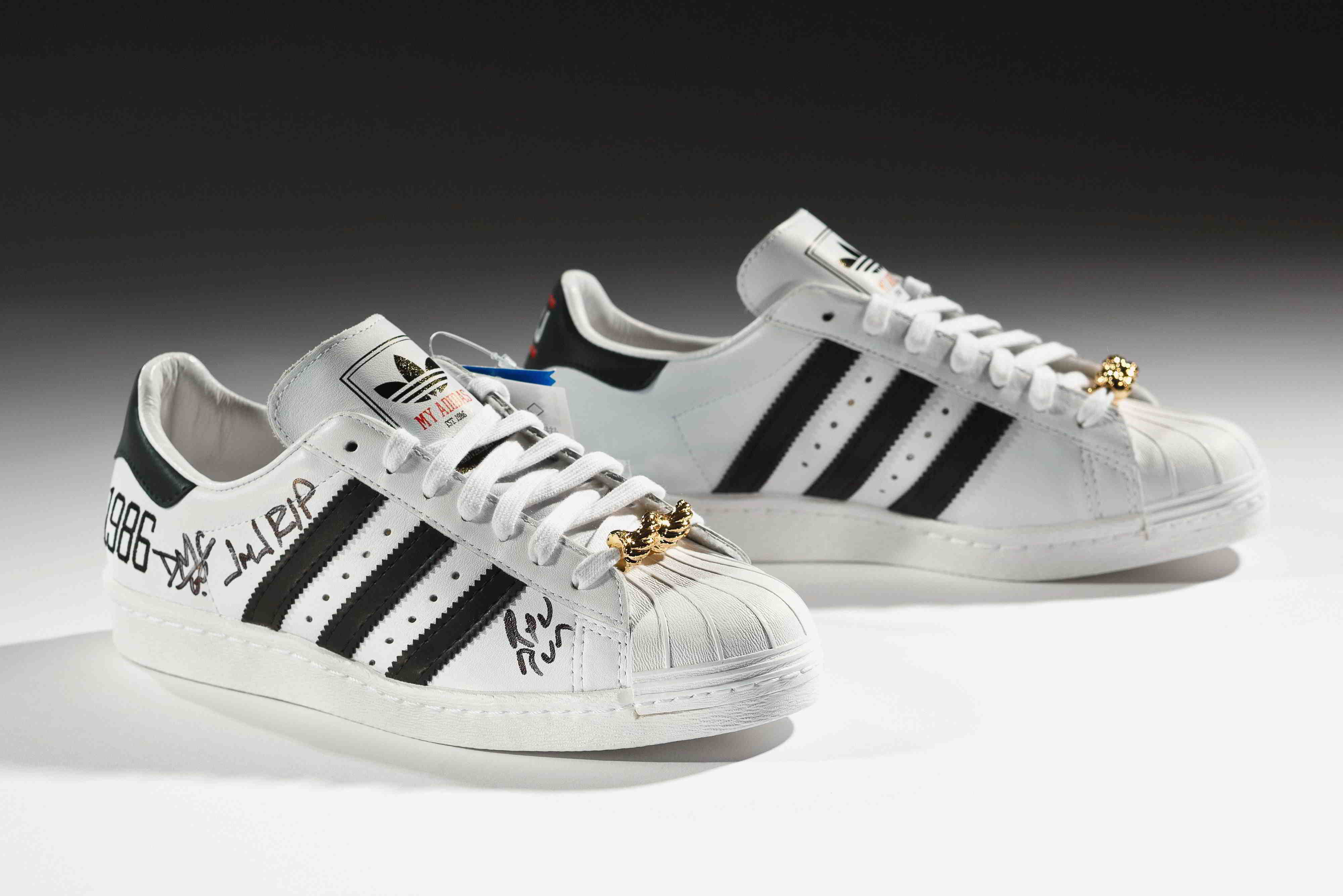 33a4793778bc Российский рынок спортивной обуви в данный момент располагает огромным  количеством вариантов, где каждый человек сможет найти что-то, идеально  подходящее ...