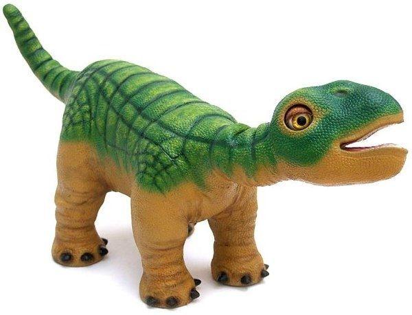 Динозавр Плео