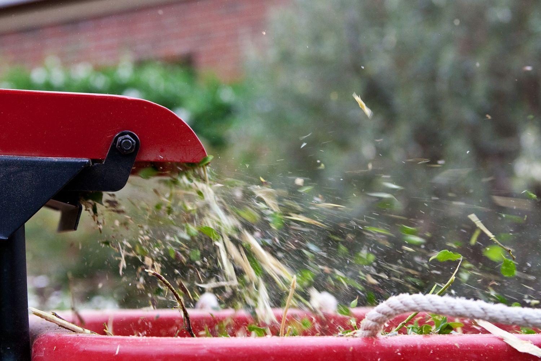Рейтинг лучших садовых измельчителей веток и травы в 2019 году