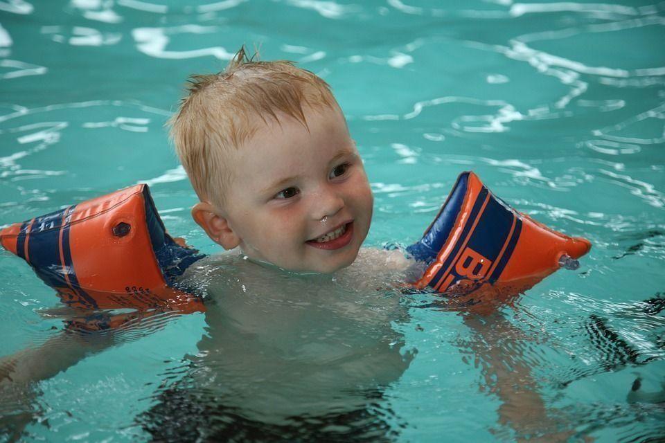 Бассейн для ребенка 5 лет в красносельском районе