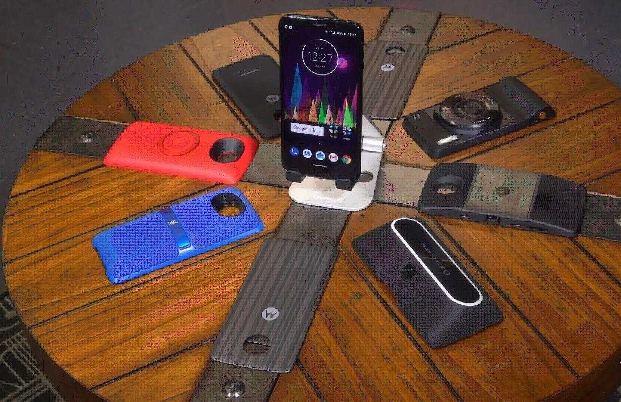 Смартфон Motorola Moto Z3 и Z3 Play — достоинства и недостатки