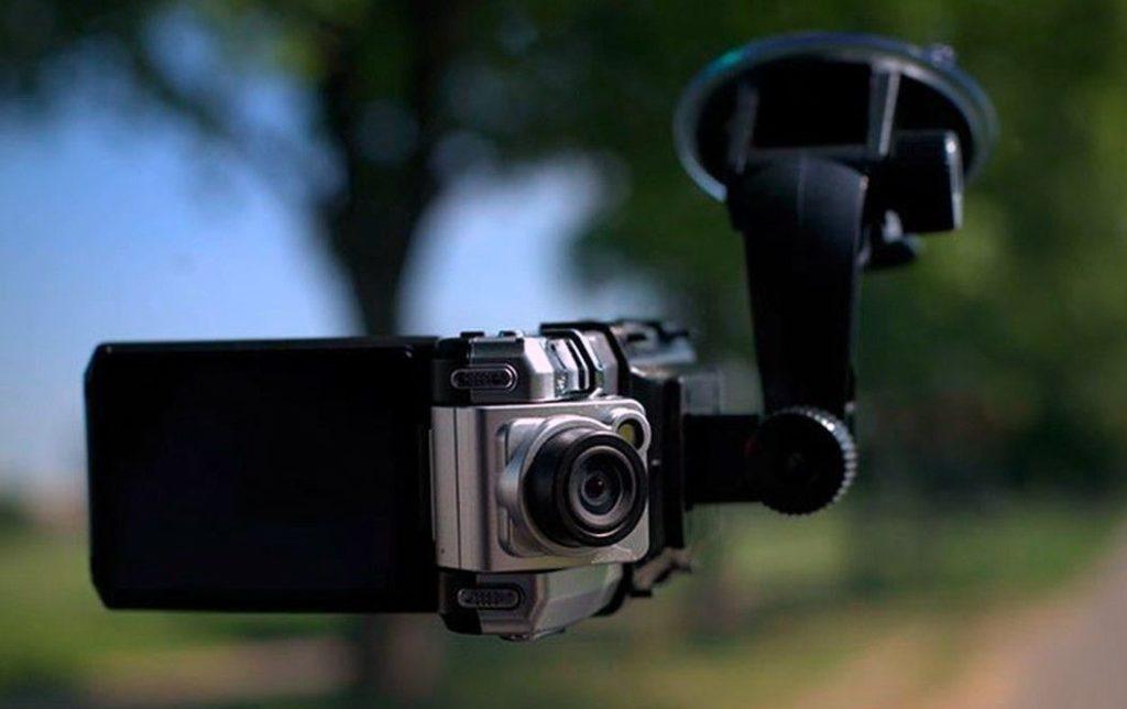 ТОП-10 лучших автомобильных видеорегистраторов 2019