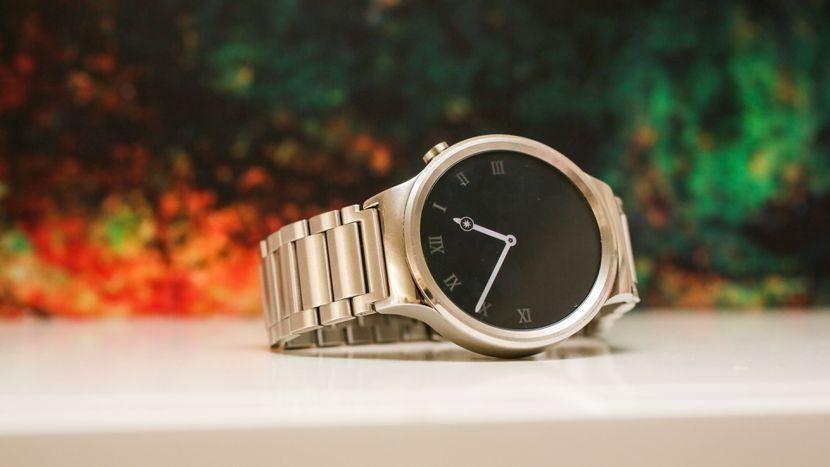 Умные часы Huawei Watch Genuine Leather Strap — достоинства и недостатки