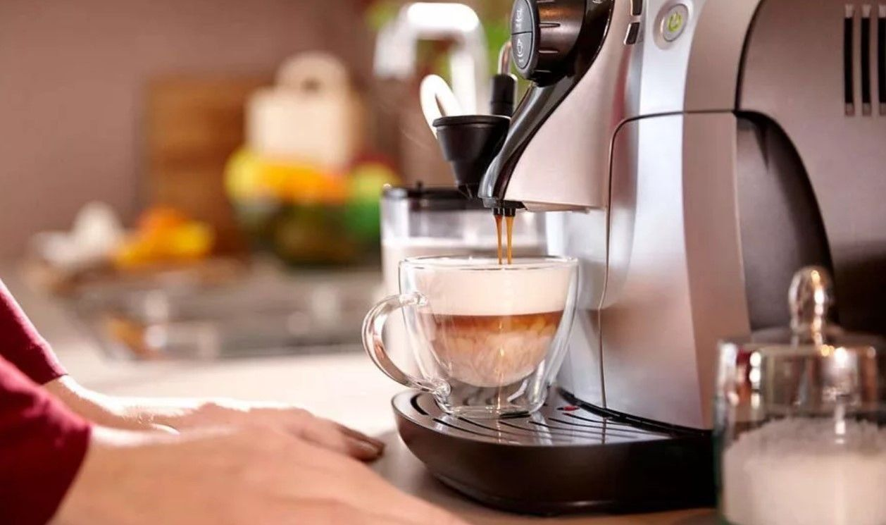 Обзор лучших кофемашин Polaris для дома и офиса в 2021 году