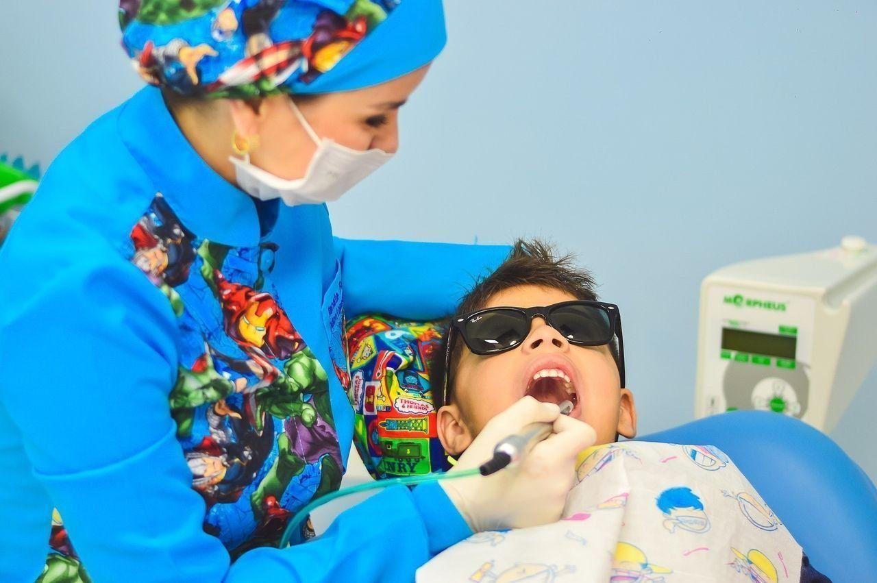 Лучшие платные стоматологические клиники для детей в Красноярске в 2021 году