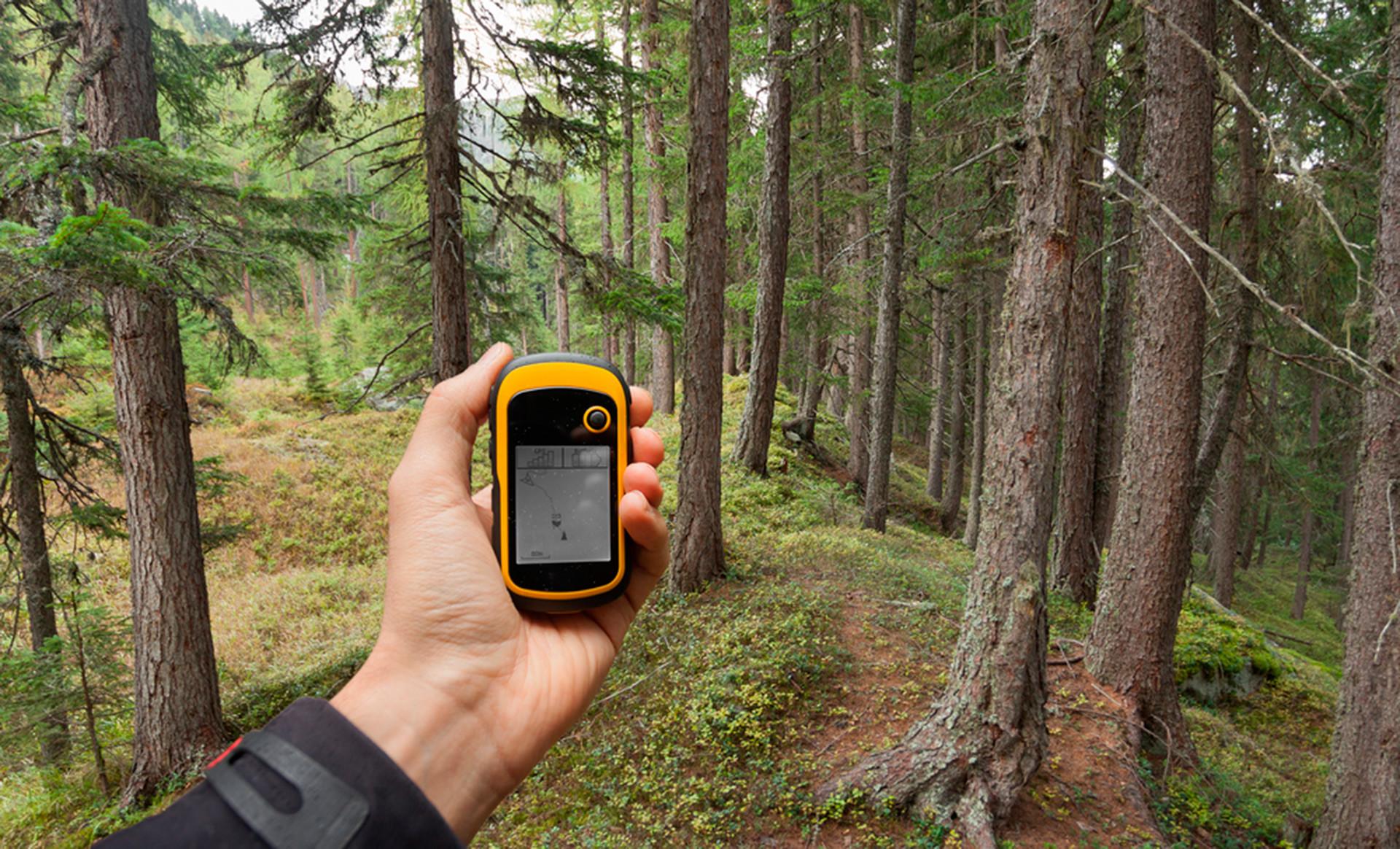 Лучшие туристические GPS-трекеры в 2021 году