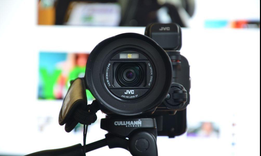 Видеокамеры JVC: обзор лучших моделей в 2021 году