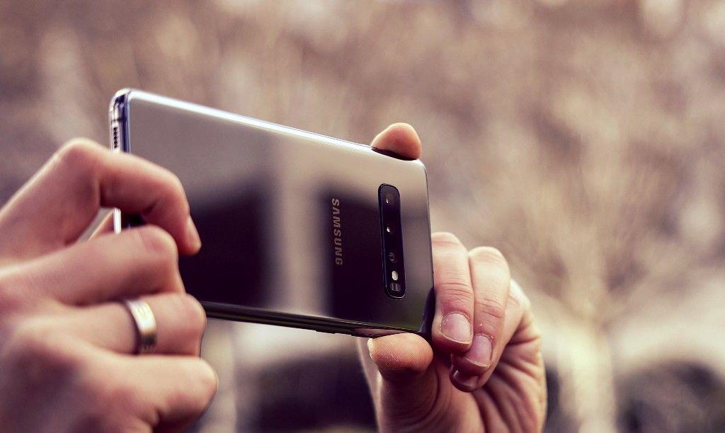 Смартфон Samsung Galaxy S10 – достоинства и недостатки