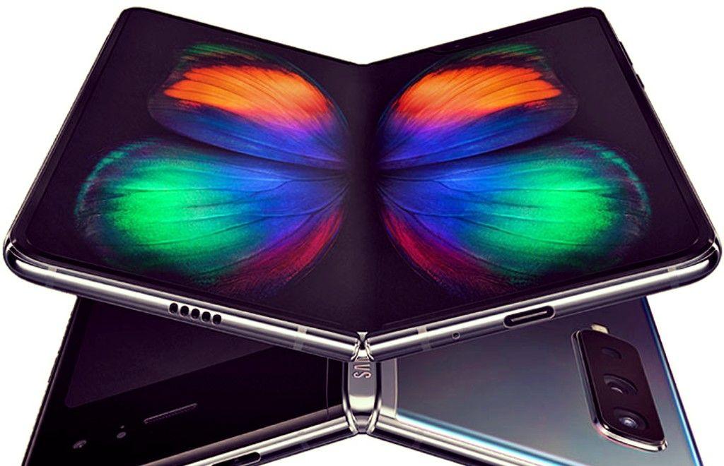 Смартфон Samsung Galaxy Fold – достоинства и недостатки