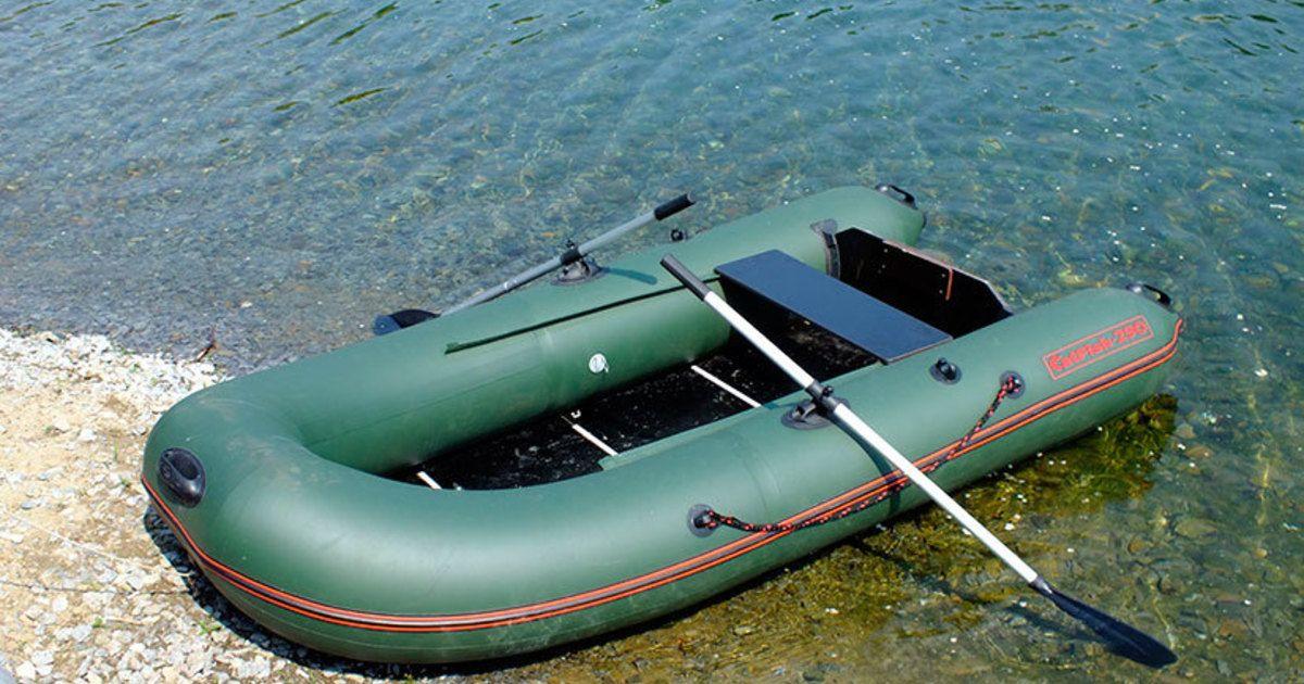 Какая лодка ПВХ лучше – с надувным дном или с пайолами