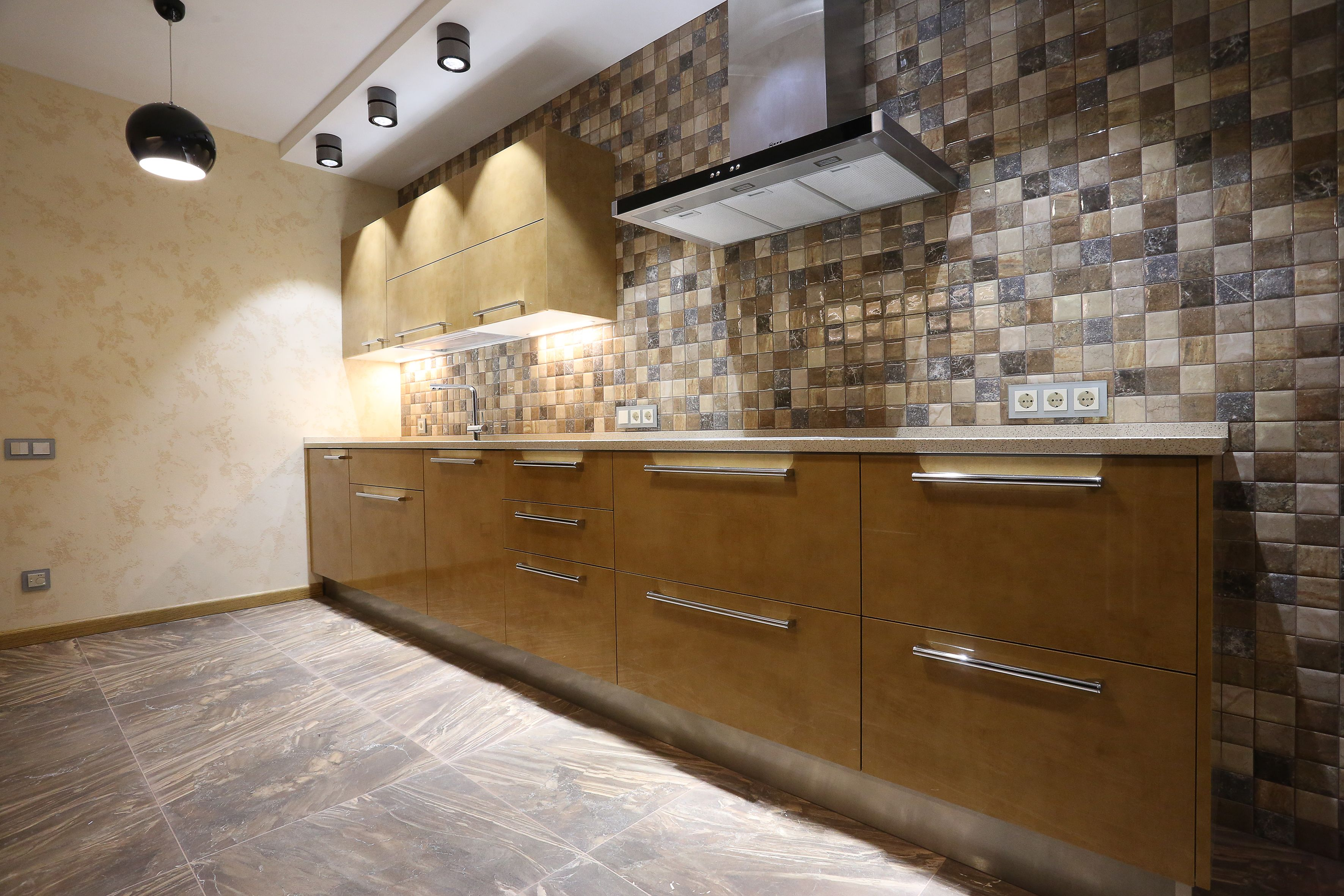 Рейтинг лучших фирм по ремонту квартир в Волгограде в 2021 году