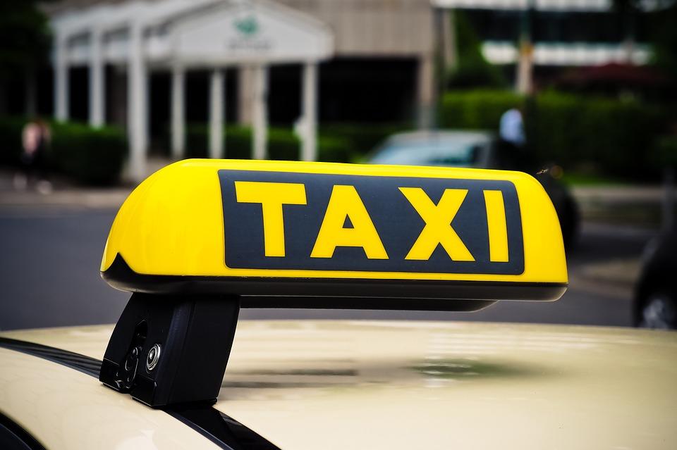 Лучшие службы такси в Санкт-Петербурге в 2020 году