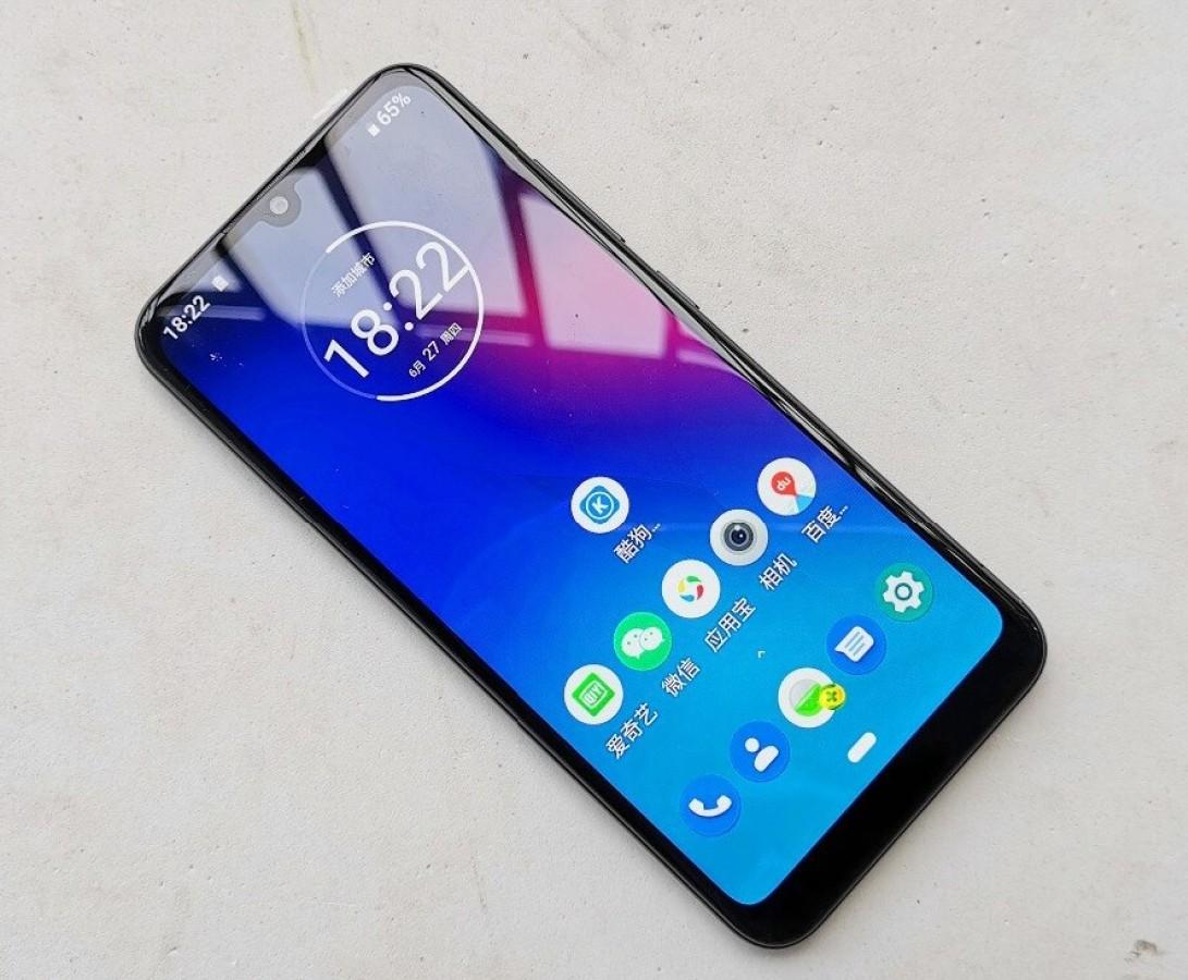 Смартфон Motorola Moto E6 Plus — достоинства и недостатки