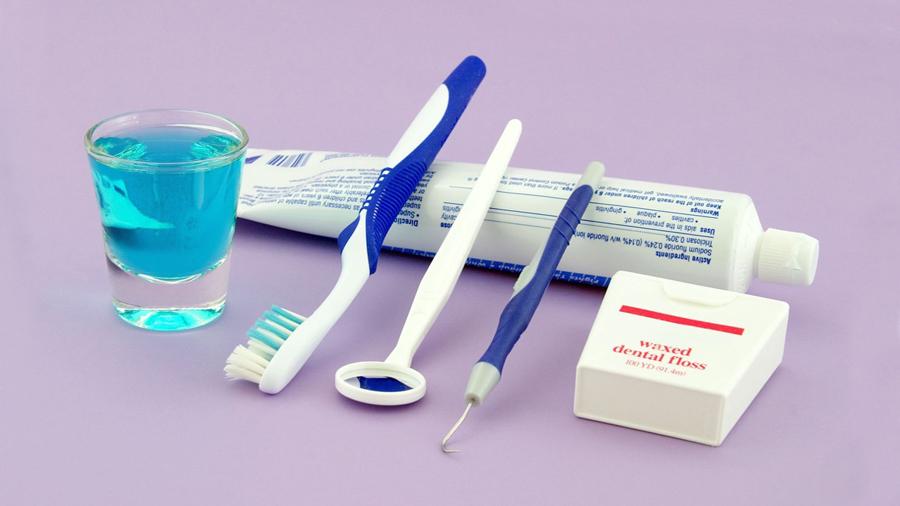 Рейтинг лучших щеток для зубных протезов на 2021 год