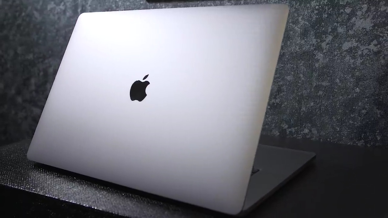 Обзор ноутбука Apple 16″ MacBook Pro с новой клавиатурой