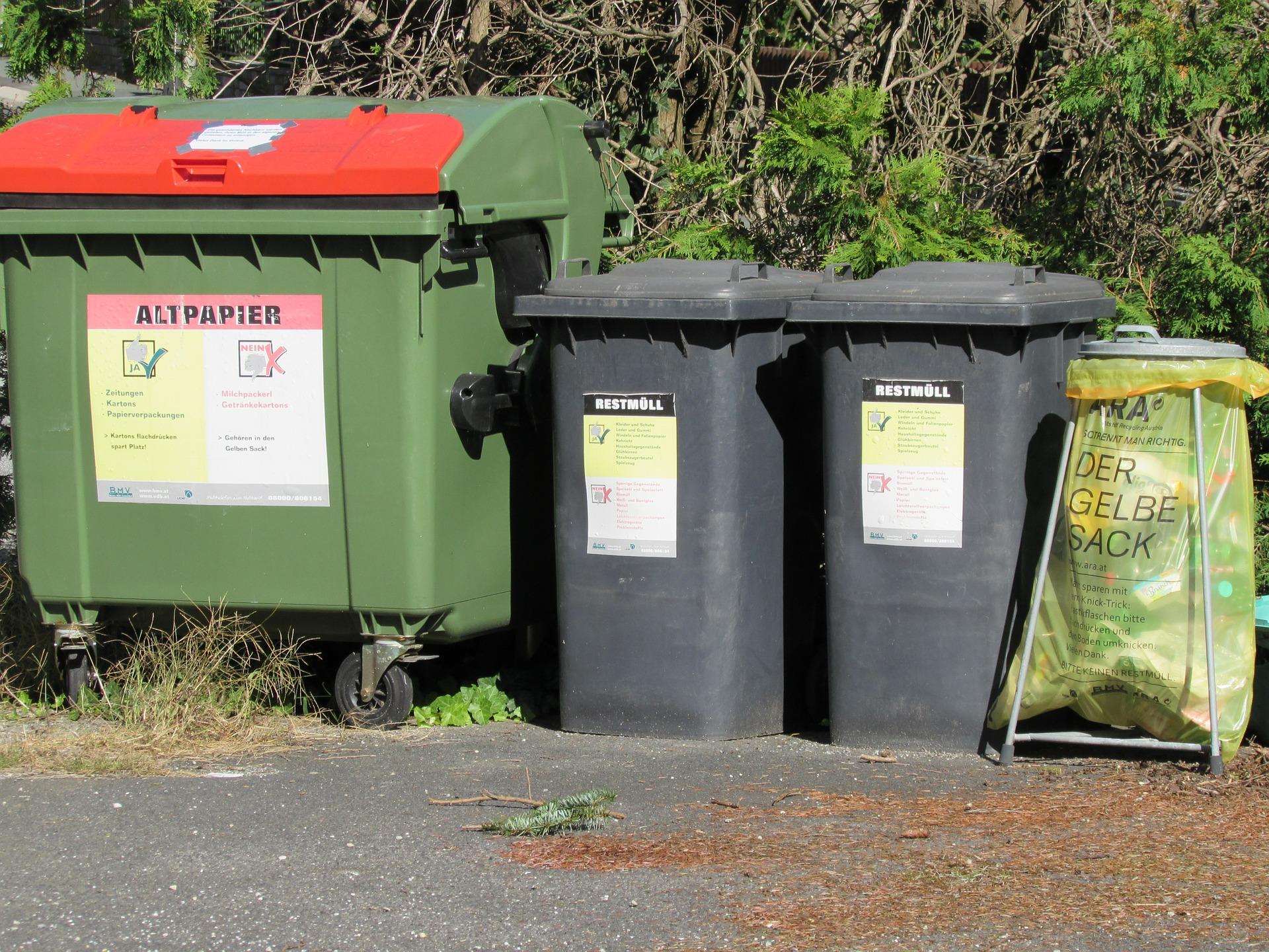 знали, картинка на мусорных баках написано мира добра после погрузки поезд