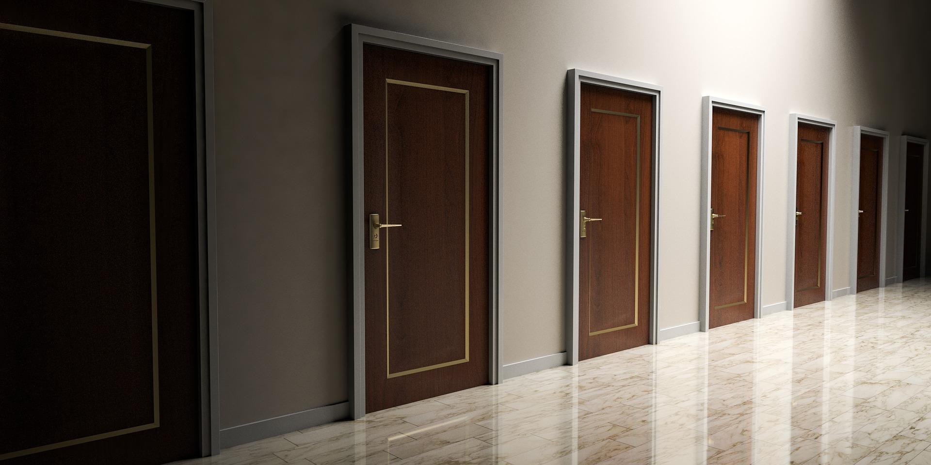 Рейтинг лучших входных металлических дверей в квартиру на 2021 год