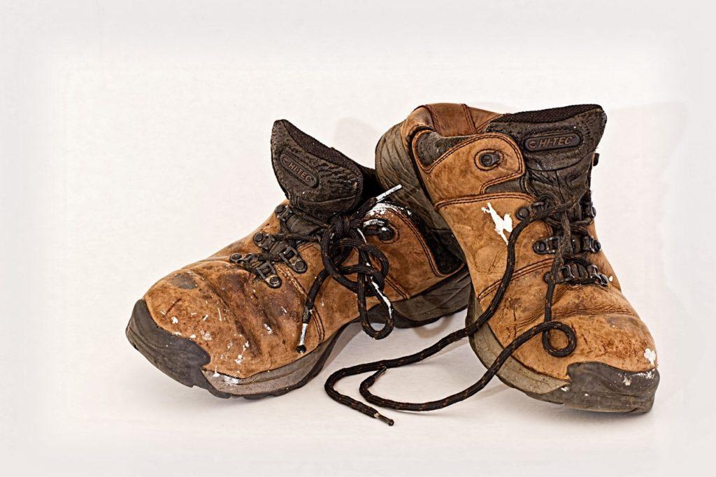 Виды рабочей обуви - разделение по способу изготовления