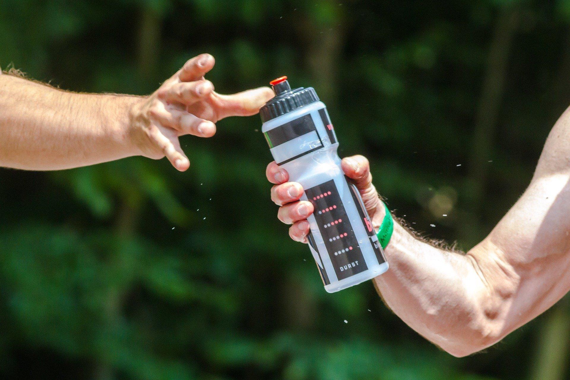 Лучшие спортивные бутылки для воды на 2021 год