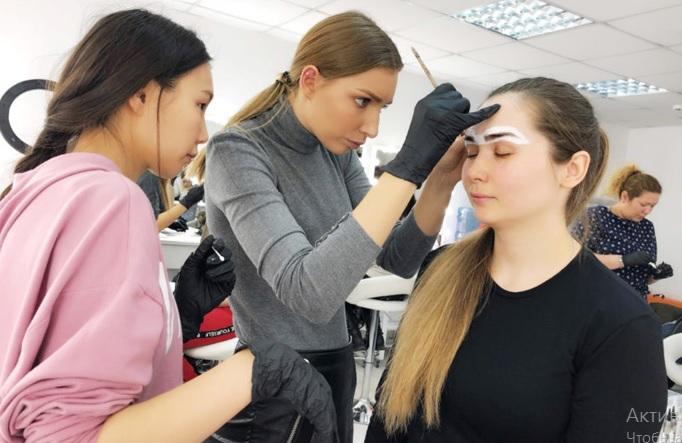 Рейтинг лучших онлайн-курсов бровистов на 2021 год