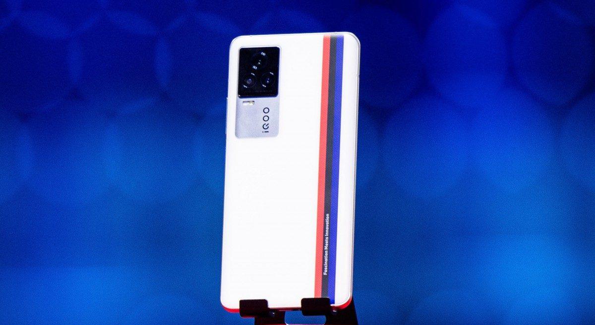 Обзор смартфона Vivo iQOO 7