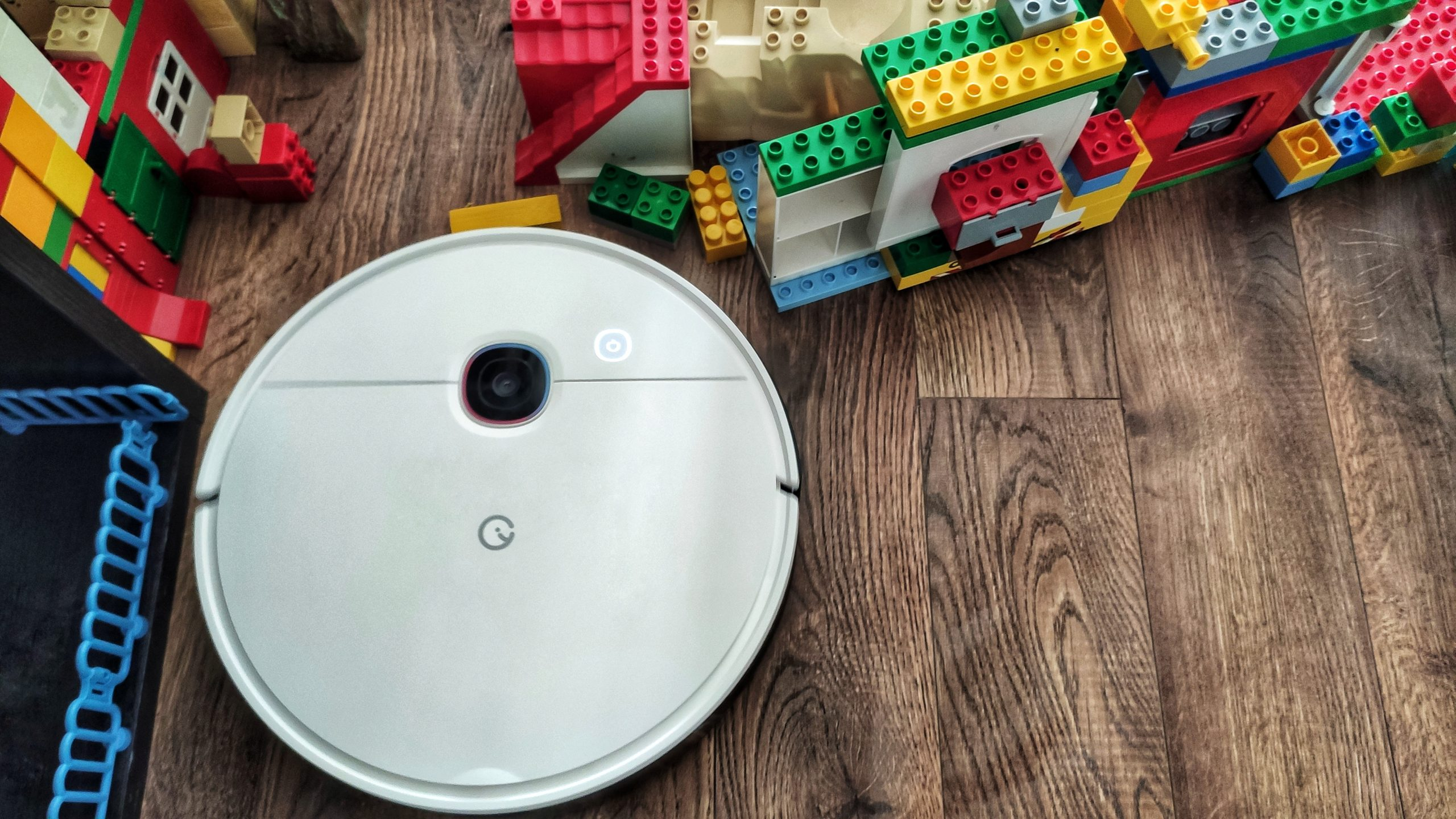 Пылесос с секретом! Обзор робота-гибрида Yeedi 2 Hybrid: достоинства и недостатки