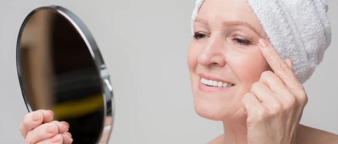 Рейтинг лучших кремов для лица после 60 лет на 2021 год
